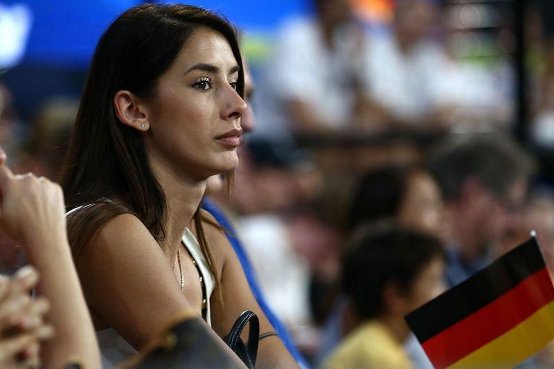 Brenda Patea cheers on Alexander Zverev during the couple