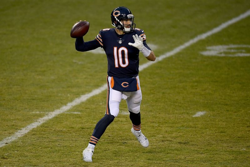 Chicago Bears send Mitchell Trubisky and draft picks to the 49ers for Garoppolo