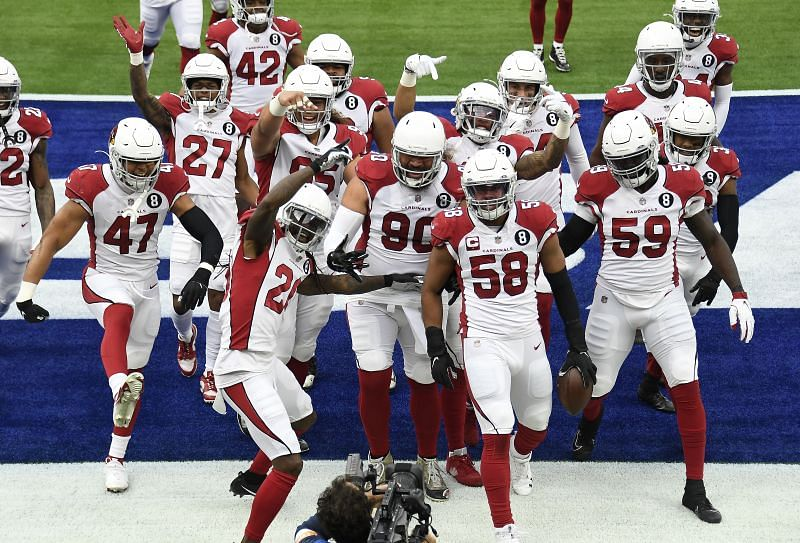 Arizona Cardinals defense celebrates after a big play against the Rams