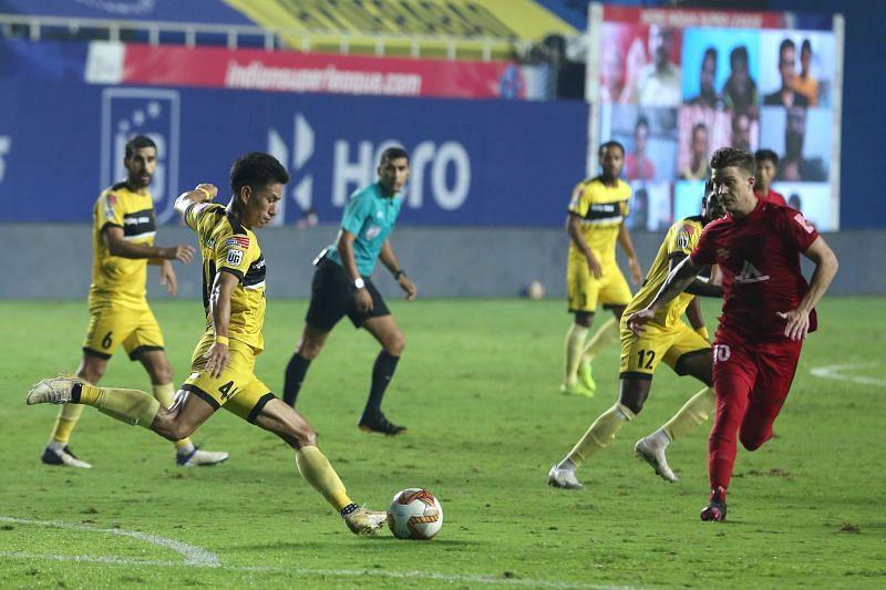Hyderabad FC's Asish Rai (left) might miss the match against ATK Mohun Bagan (Image Courtesy: ISL Media)