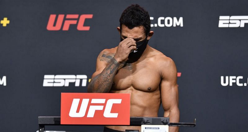 Rafael Alves missed weight by over 11lbs
