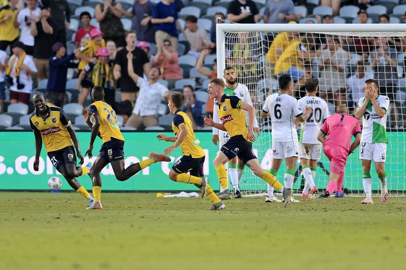Alou Kuol celebrates his winning goal for Central Coast Mariners against Western United.