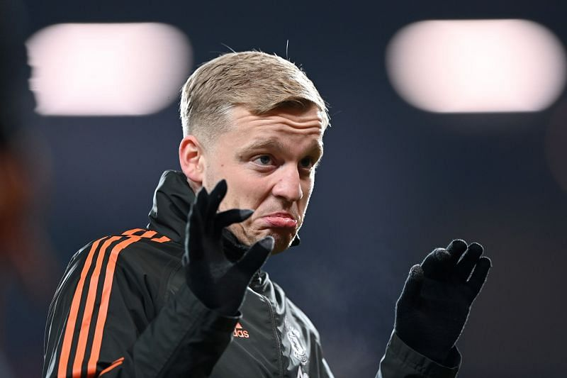 Van de Beek was handed a rare start as Solskjaer rang the changes for the cup encounter.