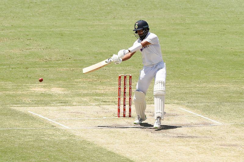Sunil Gavaskar questioned England