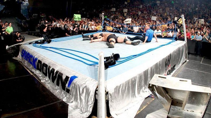 WWE की रिंग टूटी