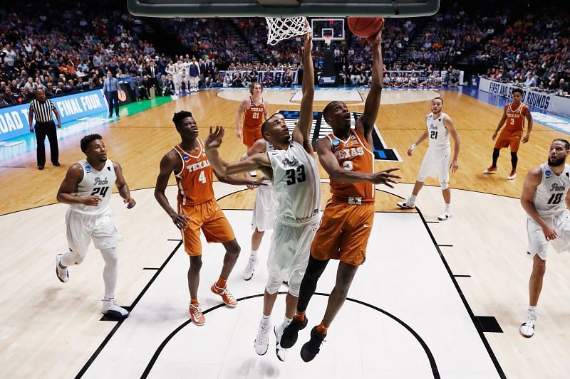 The Texas Longhorns carry a 14-6 overall record