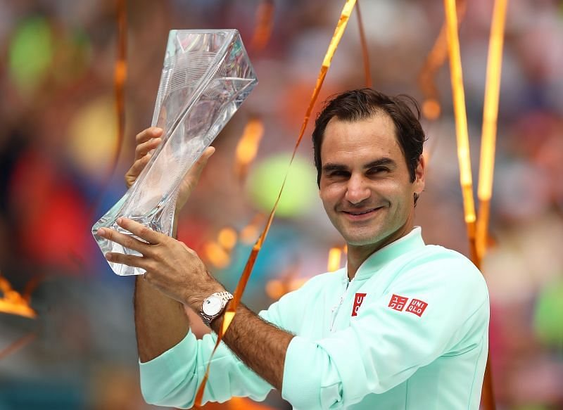 Roger Federer with his 2019 Miami Open title