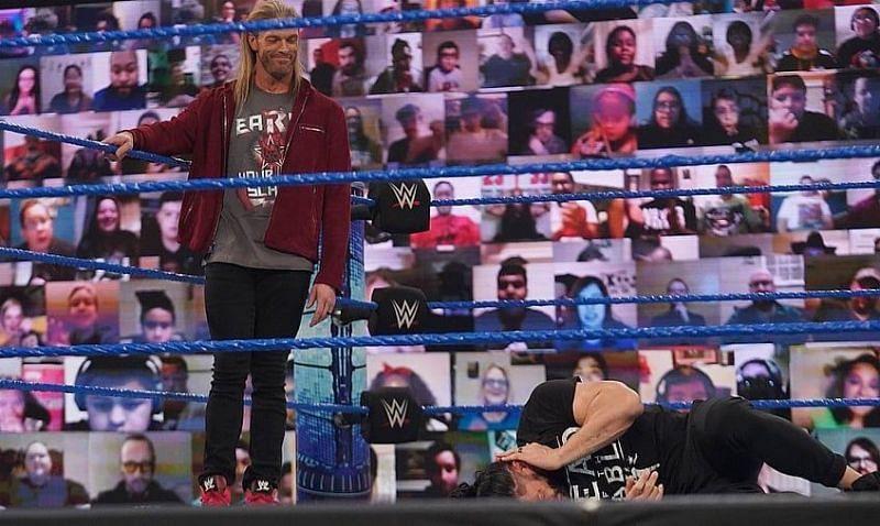 WWE SmackDown में हुआ रोमन रेंस पर अटैक
