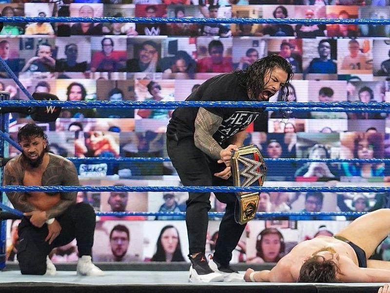 रोमन रेंस ने WWE SmackDown में दिखाया अपना दबदबा
