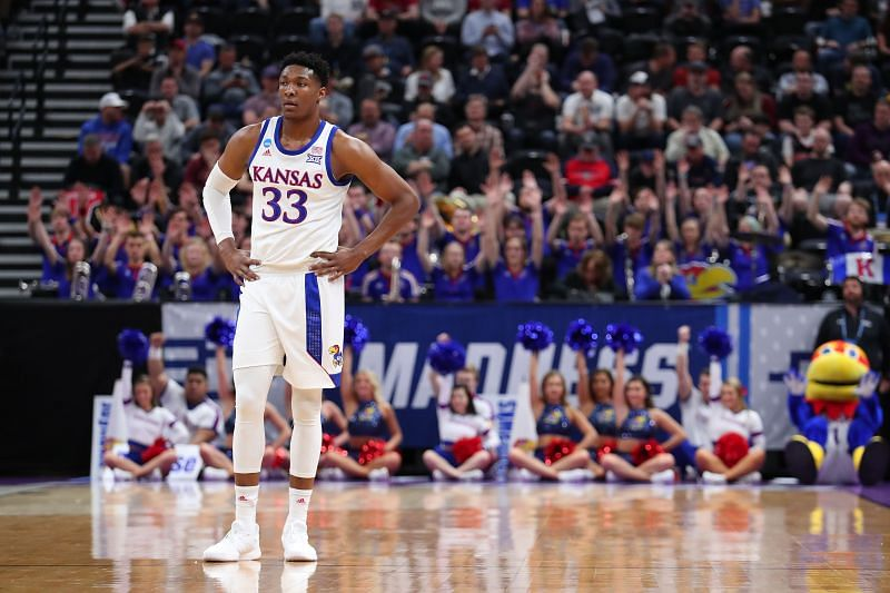 David McCormack #33 of the Kansas Jayhawks l