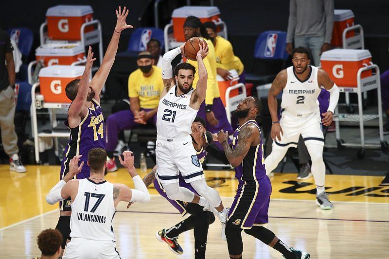 Memphis Grizzlies v Los Angeles Lakers