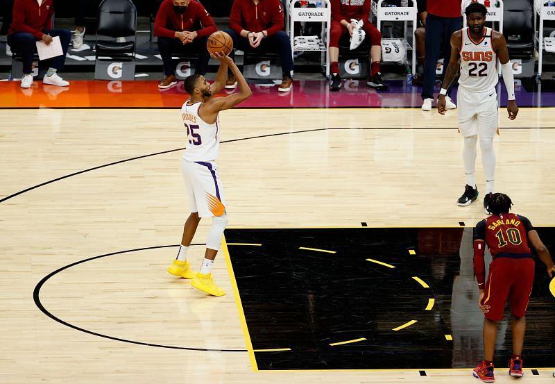 Mikal Bridges #25 of the Phoenix Suns takes a free throw-shot.