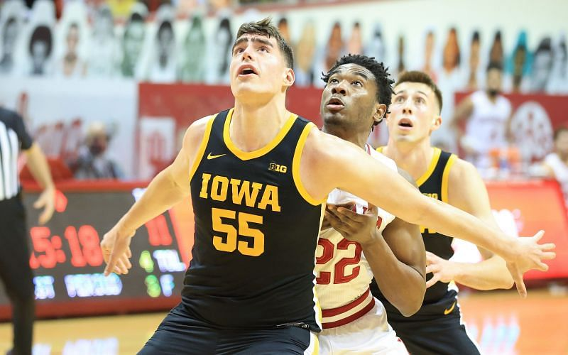 The Iowa Hawkeyes carry a 9-5 conference record