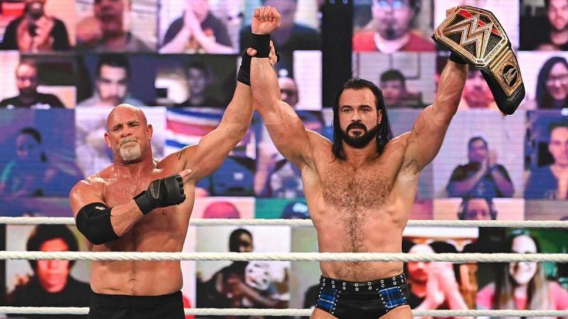 गोल्डबर्ग और WWE चैंपियन ड्रू मैकइंटायर