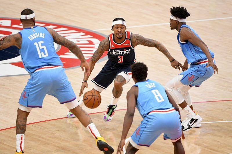 Bradley Beal splits defense for Washington Wizards