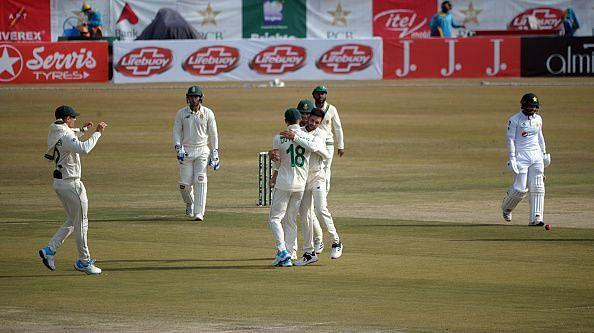 पाकिस्तान को दूसरे दिन बाबर आजम से शतकीय पारी की उम्मीद रहेगी