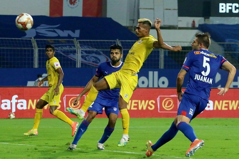 Bipin Singh scores against Bengaluru FC in Mumbai City FC
