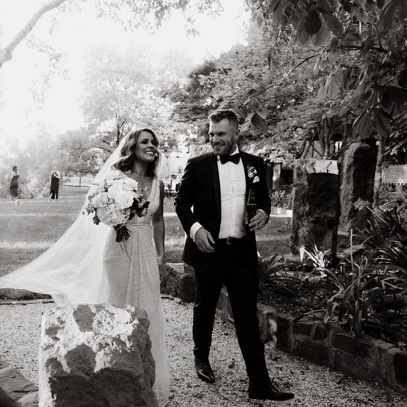 Aaron Finch wedding photos