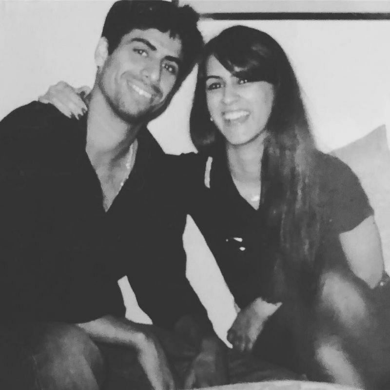 Ashish Nehra and his wife