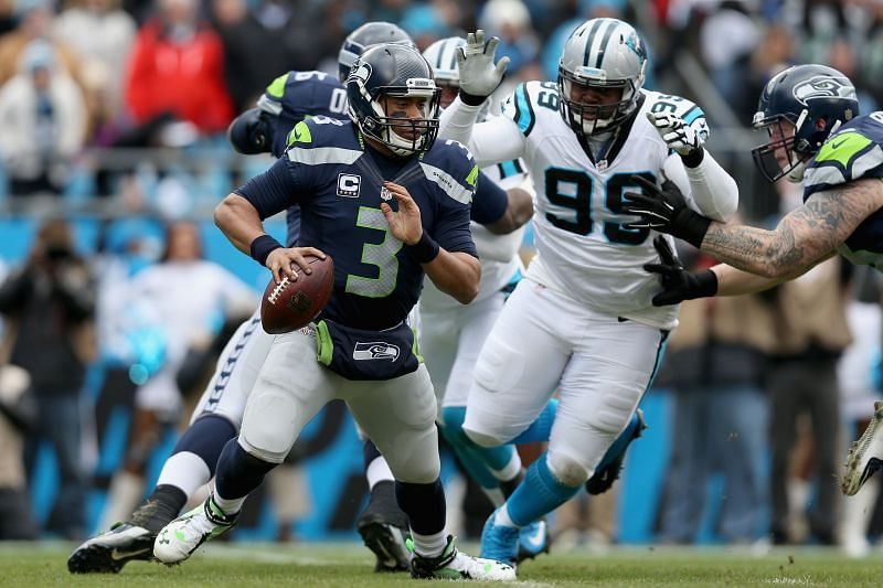 Panthers DT Kawann Short chases down QB Russell Wilson