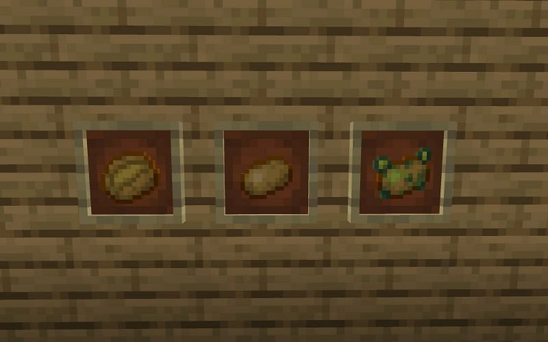 A raw potato (middle frame) in Minecraft (Image via Minecraft)