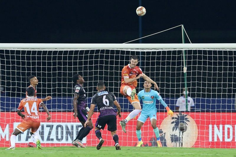 FC Goa and Odisha FC players in action in their previous ISL encounter (Image Courtesy: ISL Media)