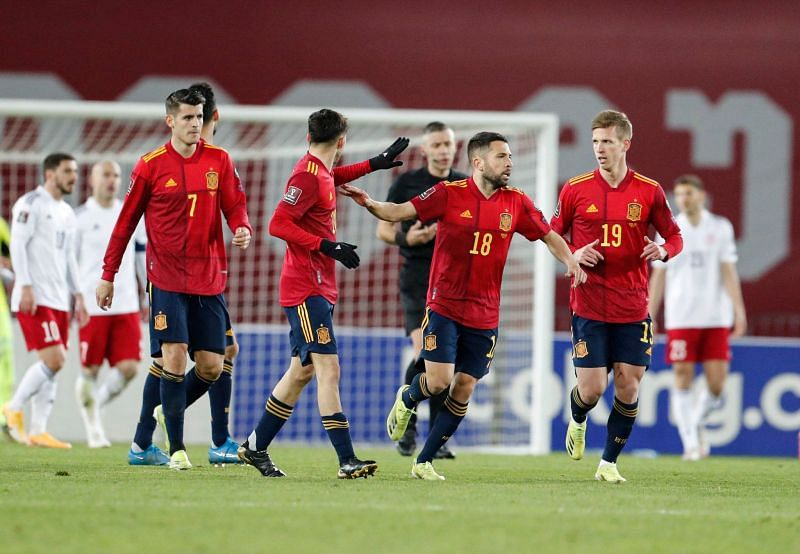 Spain make a great escape in Georgia to win their first qualifying game of the campaign