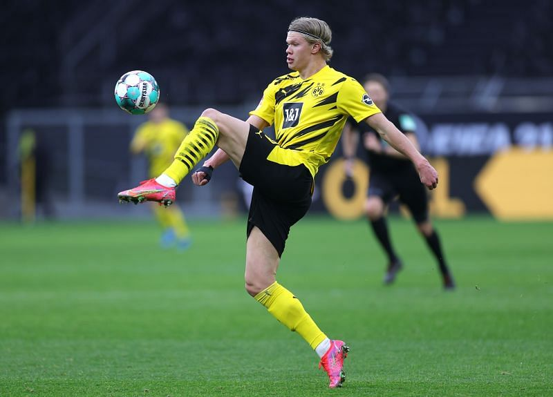 Borussia Dortmund vs DSC Arminia Bielefeld - Bundesliga