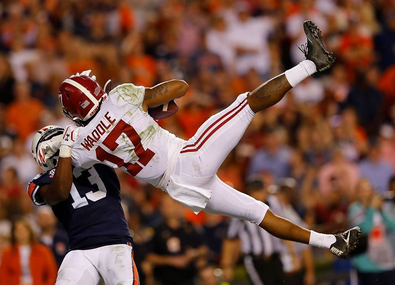 The New York Giants might consider drafting Alabama wide receiver Jaylen Waddle.