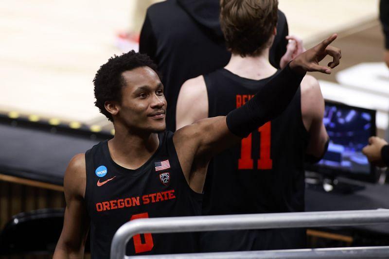 Oregon State Beavers guard #0 Gianni Hunt