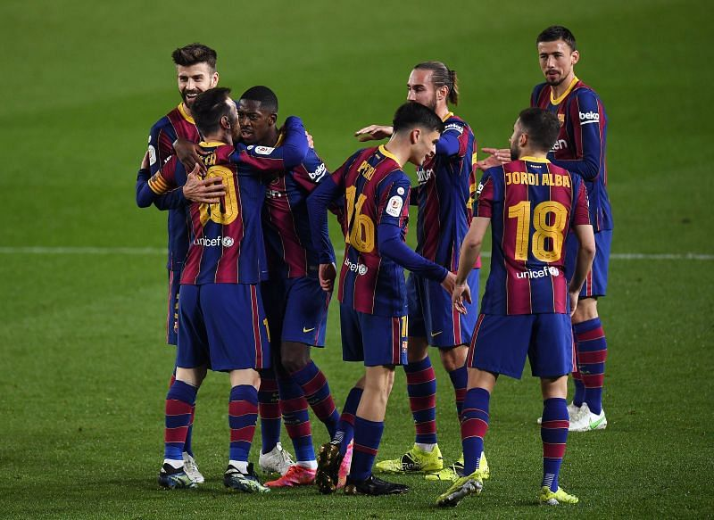 The main thing in the kits is their size. Fc Barcelona Kit 21/22 - Barca S 2021 22 Home Kit Leaked ...