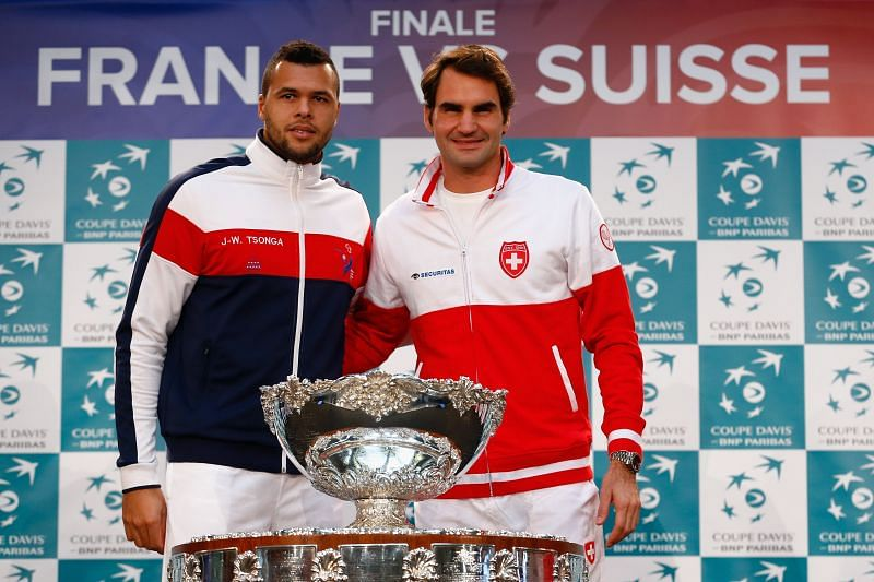Jo-Wilfried Tsonga and Roger Federer at the 2014 Davis Cup final