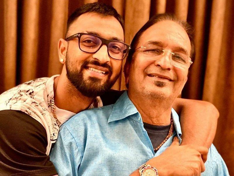 Krunal Pandya with his dad