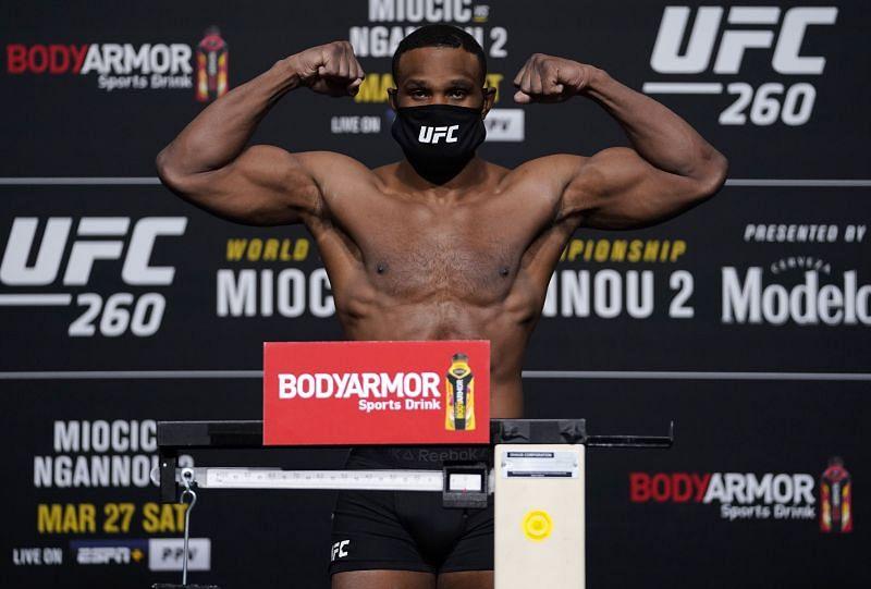 UFC 260 Miocic vs Ngannou 2: Weigh-Ins