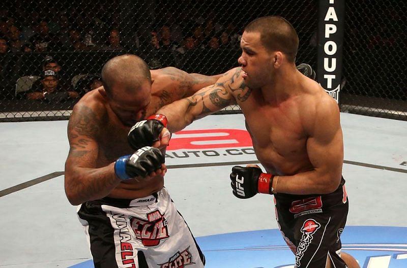 James Te Huna in UFC action