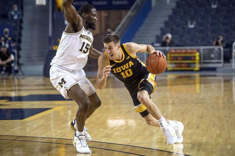 Iowa Hawkeyes guard #10 Joe Wieskamp