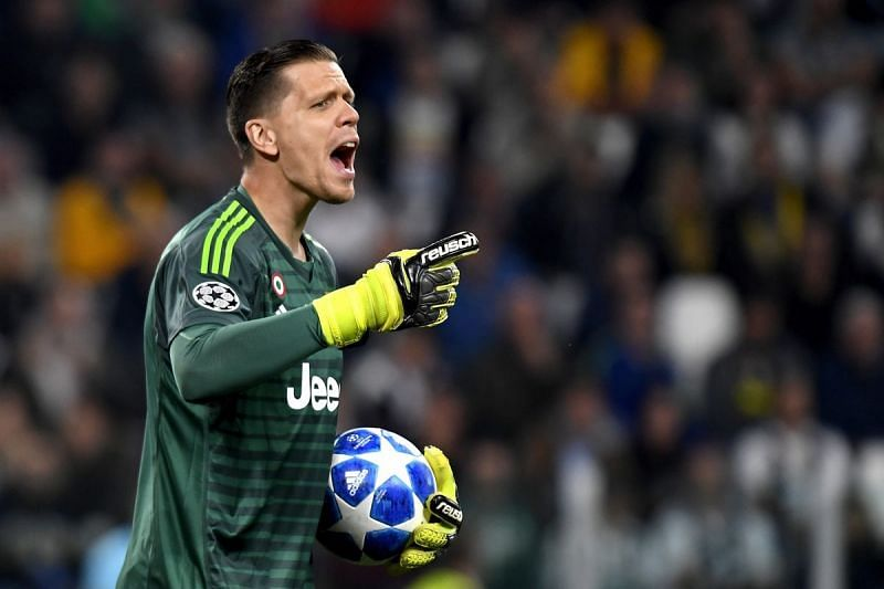 Chelsea considered signing Wojciech Szczesny in the summer