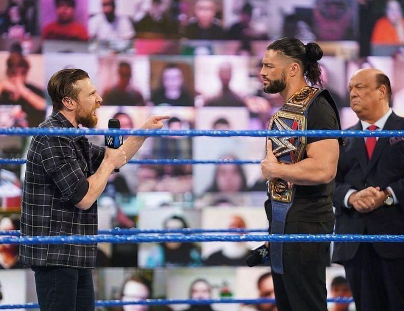 WWE Fastlane में यूनिवर्सल चैंपियनशिप को डिफेंड करेंगे रोमन रेंस