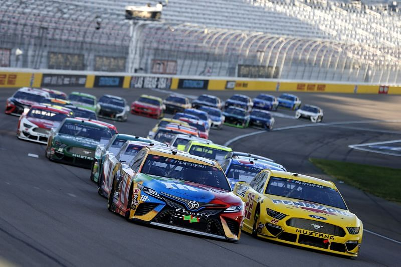 Kyle Busch and Joey Logano lead the field at Las Vegas Motor Speedway for the NASCAR Cup Series South Point 400. Photo/Getty