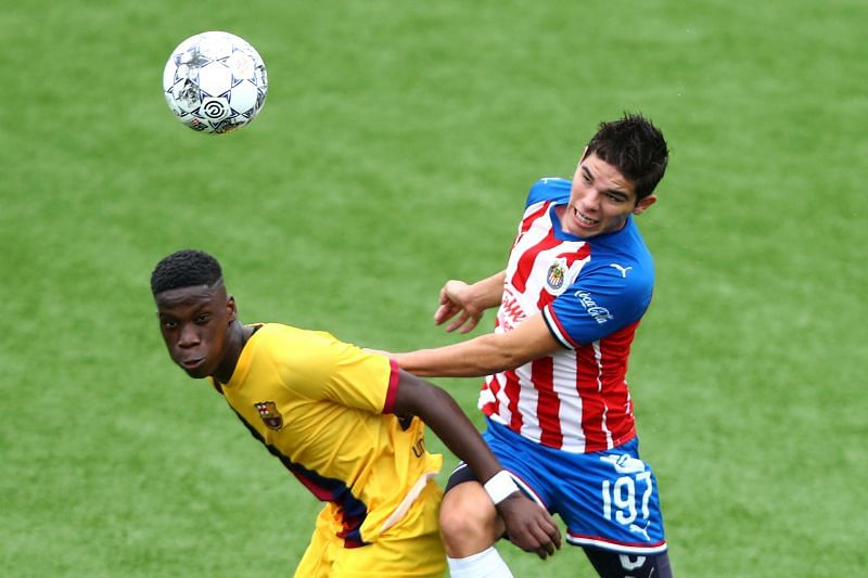 Ilaix Moriba (L)  for Barcelona
