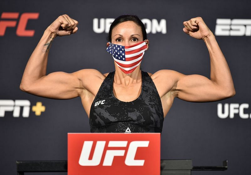 Marion Reneau weighing in