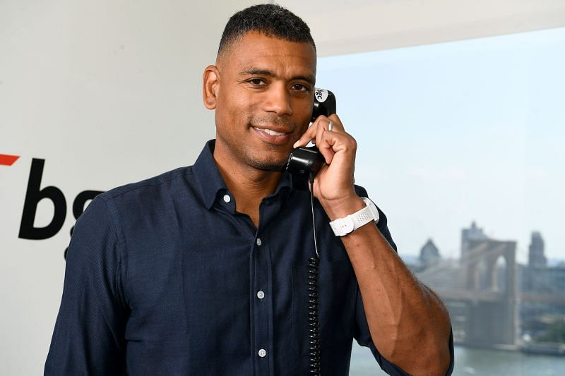 Allan Houston was signed by the New York knicks back in 2001.