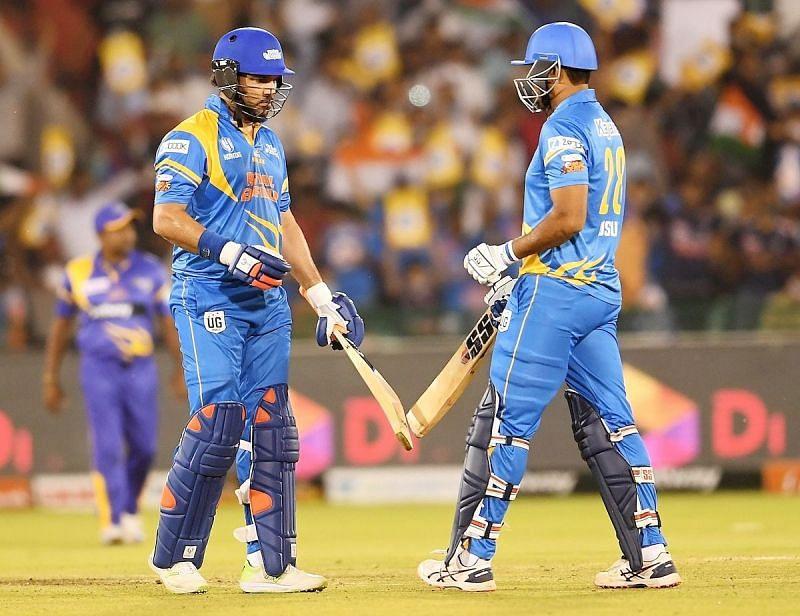 युवराज सिंह और यूसुफ पठान ने फाइनल में भारत की खिताबी जीत में अहम भूमिका निभाई