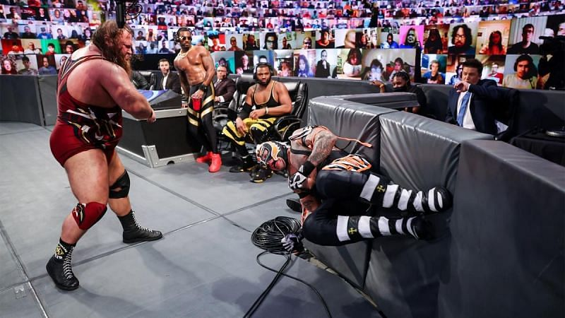 WWE Fastlane 2021 2