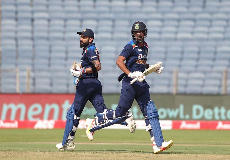 Virat Kohli (L) & KL Rahul had a contrasting T20I series against England.