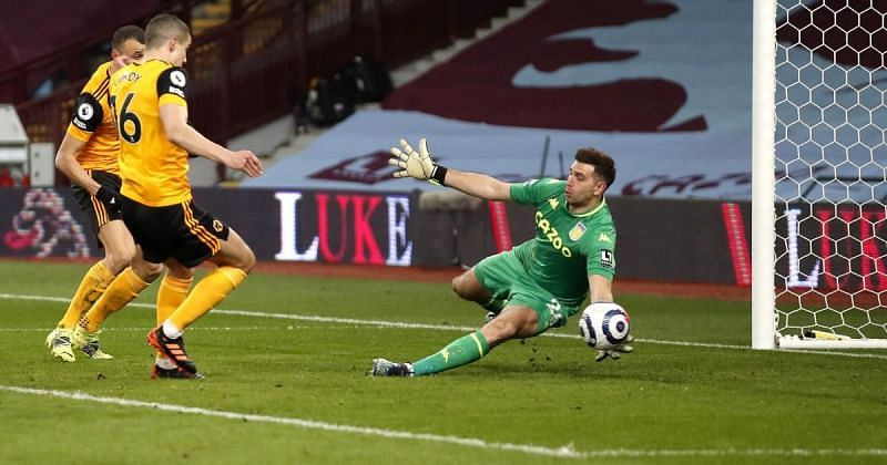 Emiliano Martinez(right) has been a great FPL asset.