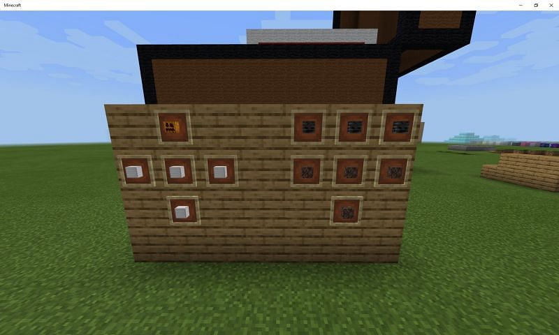 Both Minecraft mobs are built out of naturally occurring blocks (Image via Mojang)
