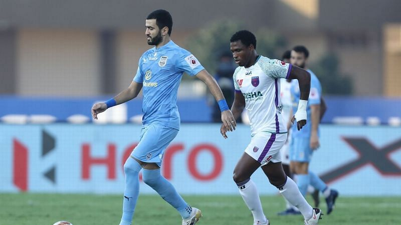 Ahmed Jahouh (L) was the midfield general for Mumbai City FC. (Image: ISL)