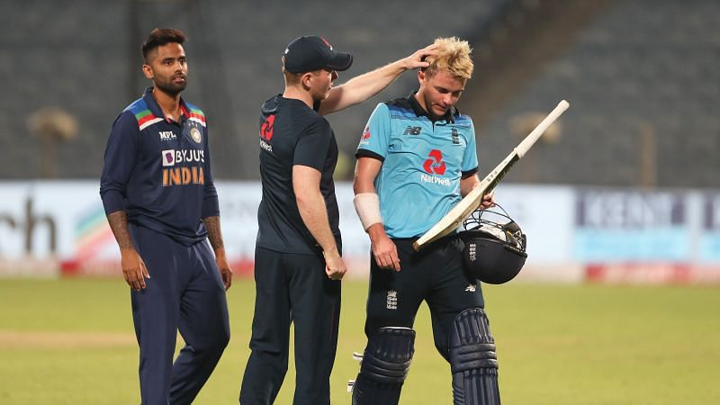 Sam Curran being consoled by Eoin Morgan after the 3rd ODI vs India (Image source @TheCricketerMag Twitter)