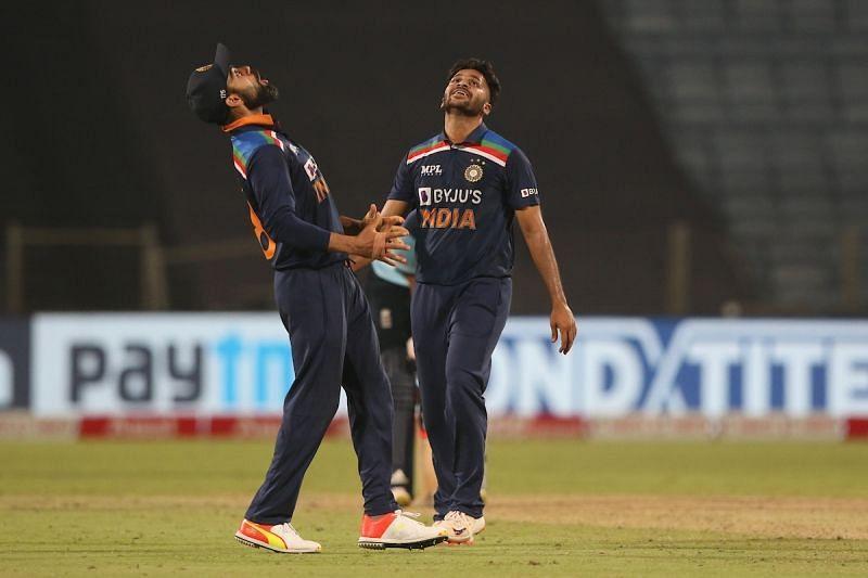 Virat Kohli celebrates with Shardul Thakur during the 3rd ODI against England